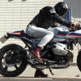 【インプレ】R nineT racer(BMWのカフェレーサー)のカスタムブログ!ハンドルのポジションはきつい?マフラー音は?足つき性や維持費をレビュー
