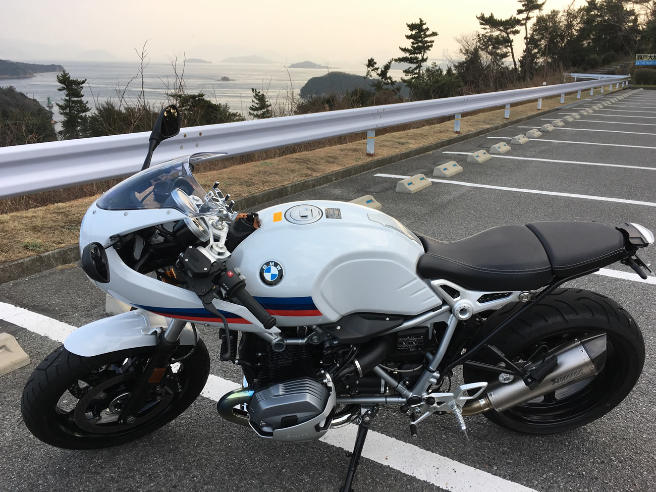 BMWのR nineT racerのタンデムシート