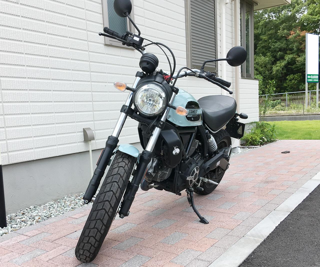ドゥカティ・スクランブラーsixty2(400cc)のフロントフェイスから