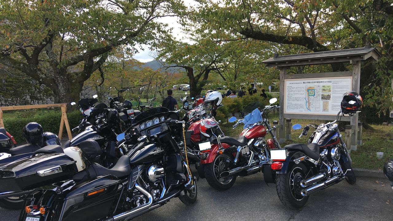丹波篠山の味まつりには駐車場がある