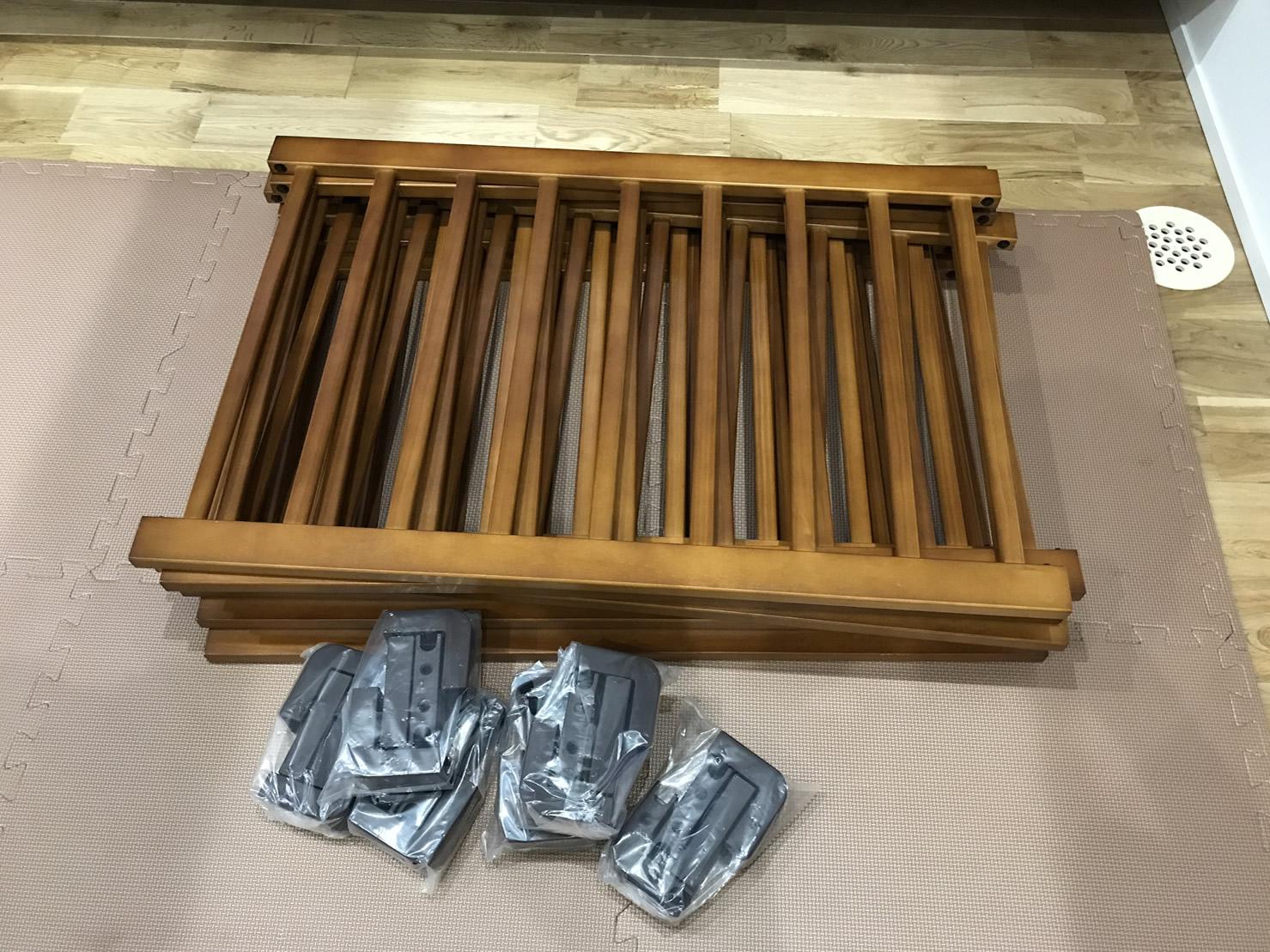 木製のベビーサークル のセット