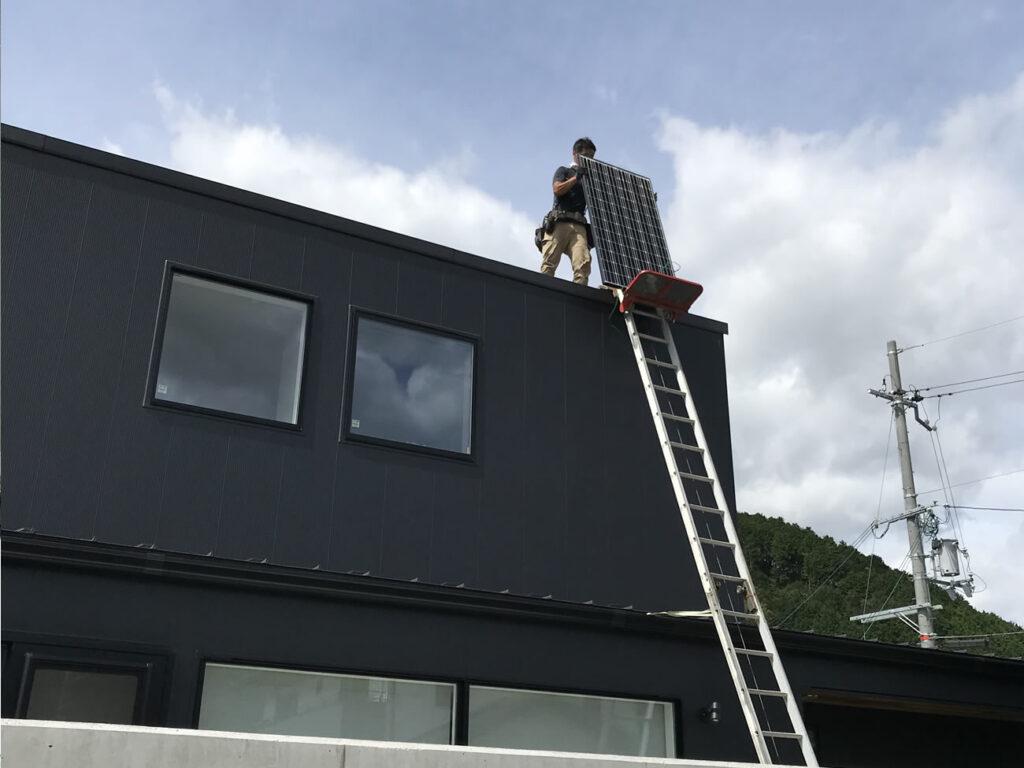 太陽光発電パネル設置仕事