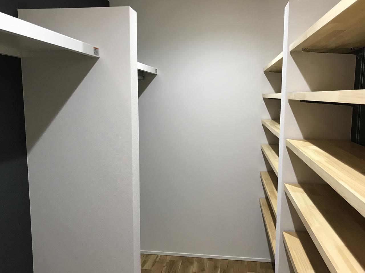書斎に本棚