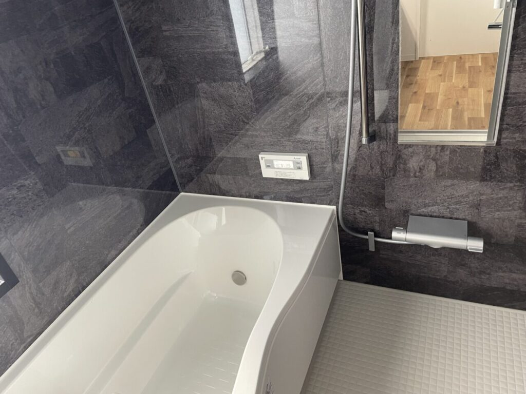 お風呂のシャンプー置き・カウンターがないから衛生的が。
