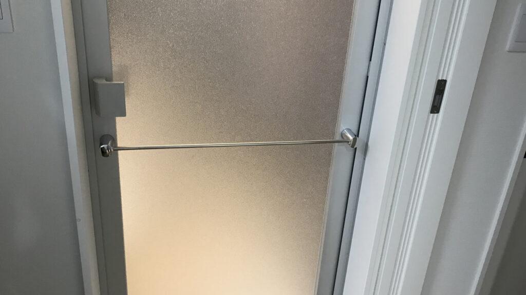 お風呂場のドアは開き戸がおすすめ