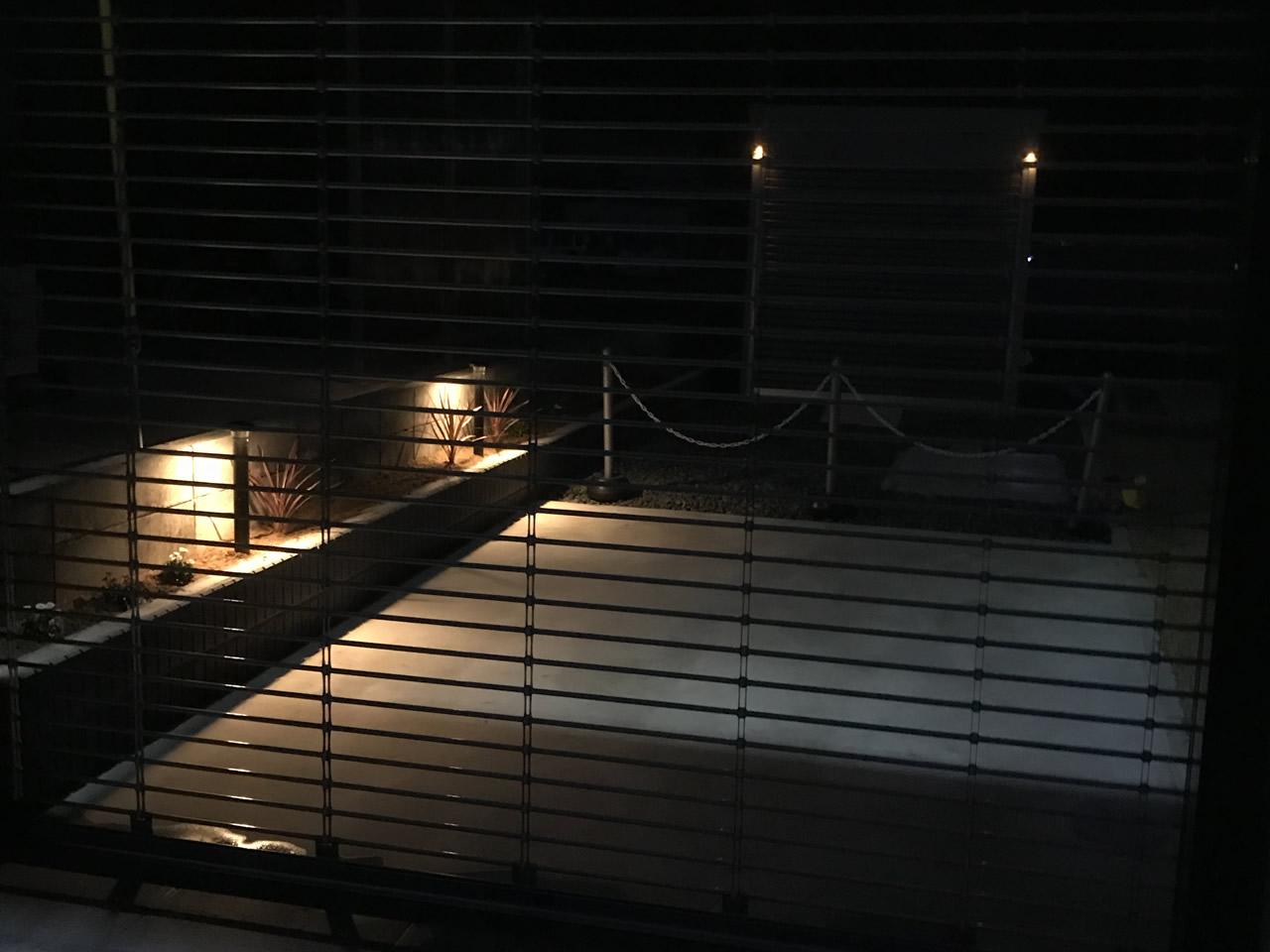 LeiDrail製のソーラーライトの色・明るさ比較