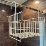 お風呂のシャンプー置きカウンター・棚は必要なし!?持ち運び可能な吊り下げお風呂用メッシュカゴでヌメリを防ぐ方法とは