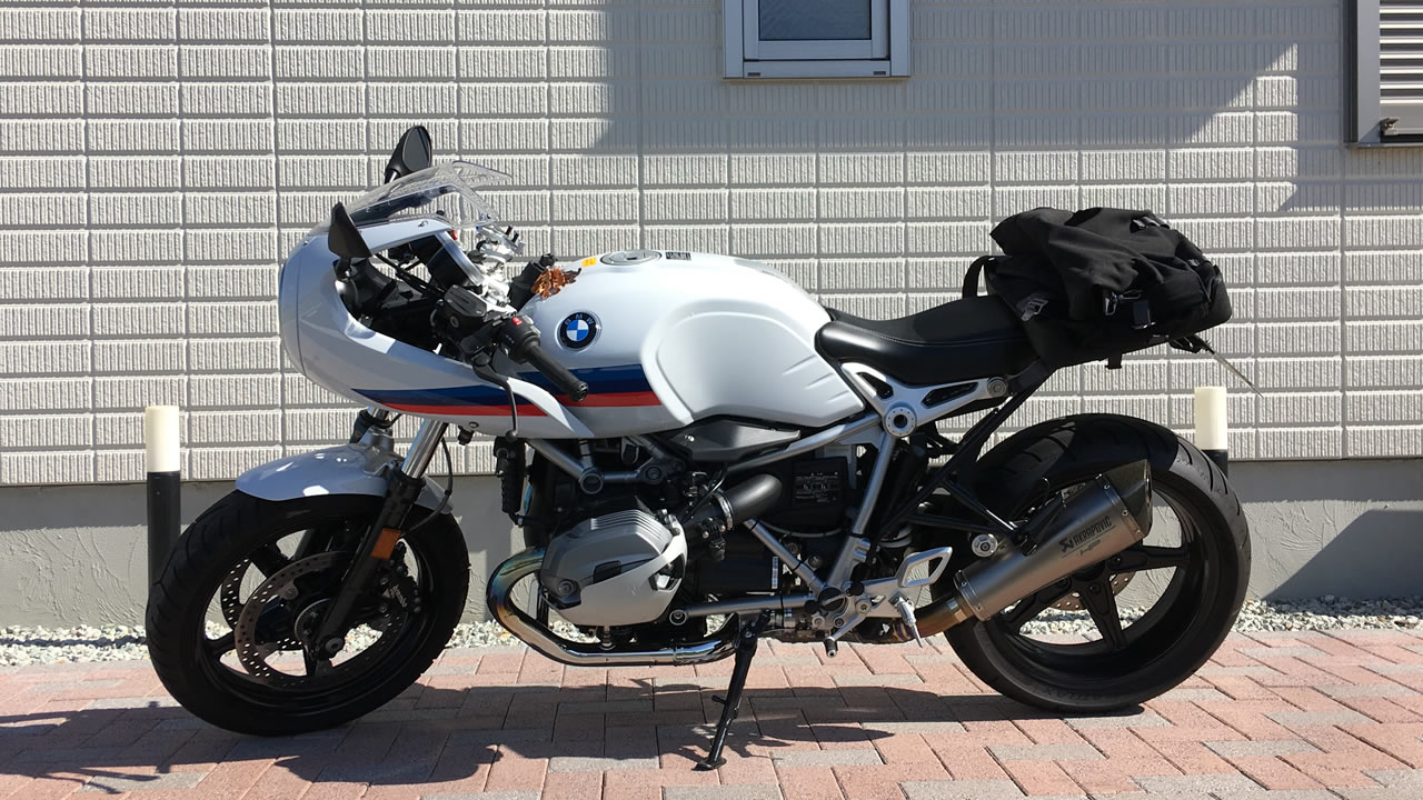 BMW純正リア用防水バッグを横から