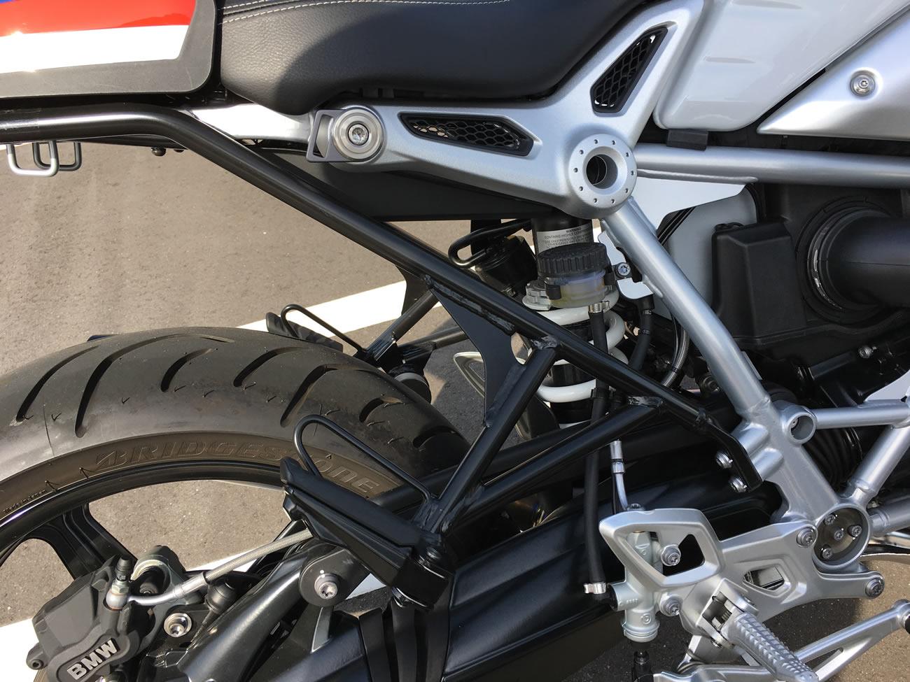 R nineT racer(BMW)のタンデムステップノーマル