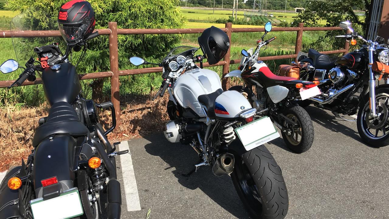 我風(がふう)のバイク用駐輪スペース