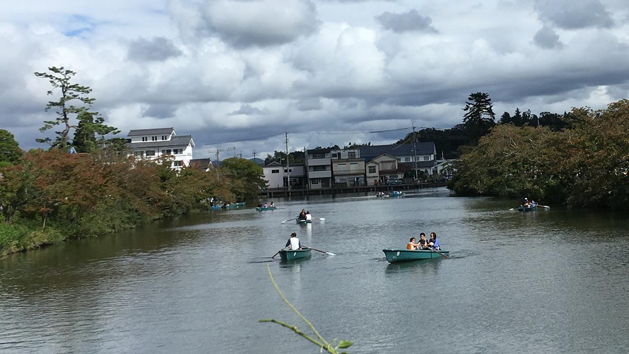 篠山城跡の堀ではボートを満喫