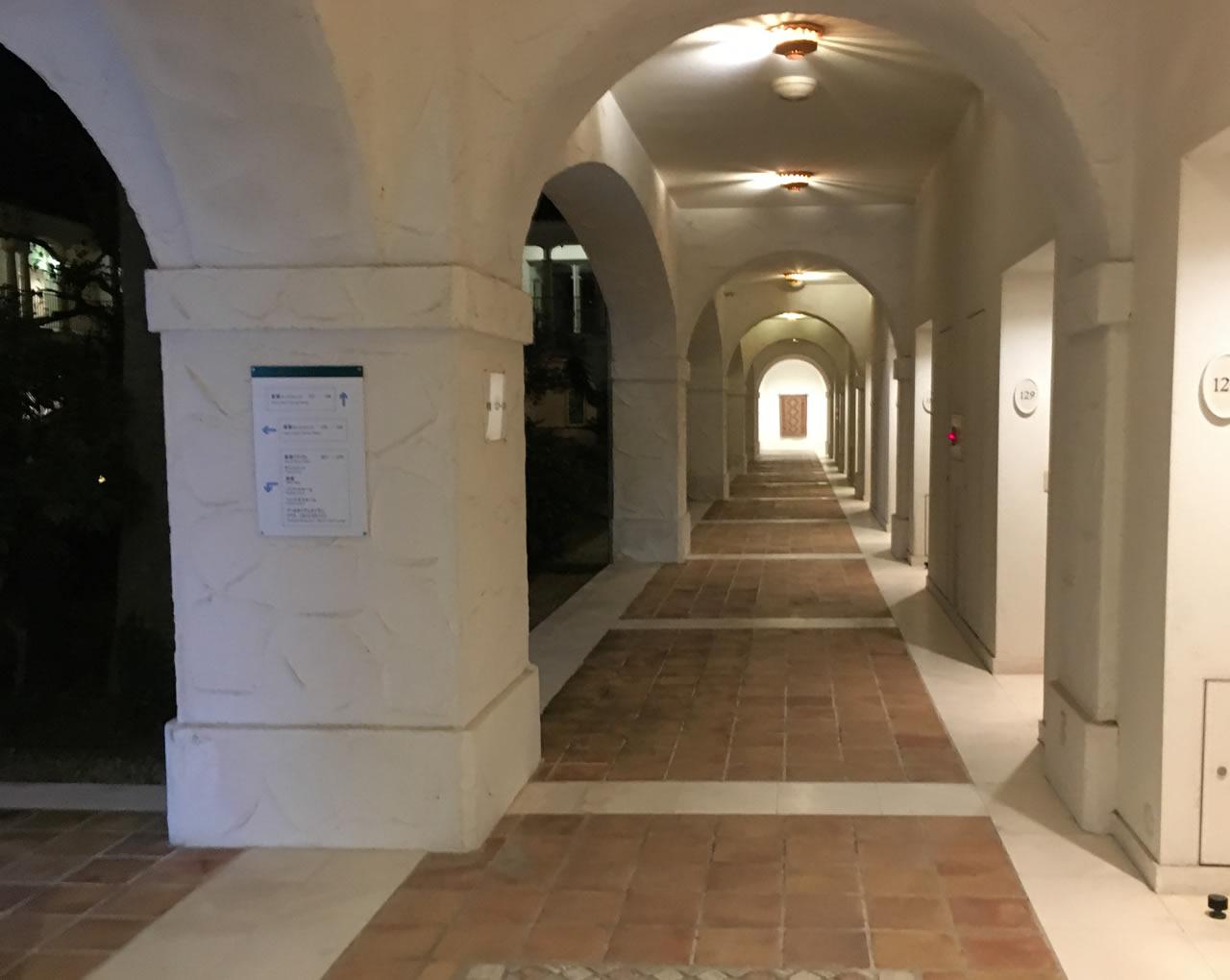 プライム賢島の廊下