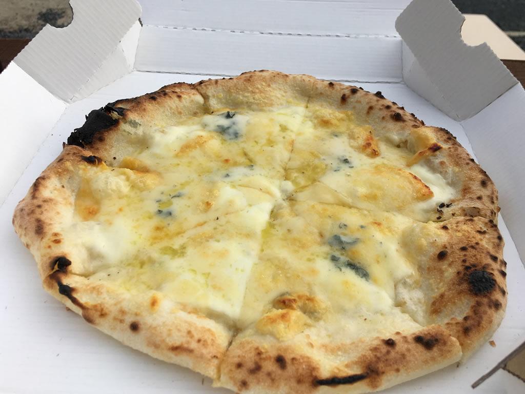 クワトロフォルマッジ(4種のチーズ)