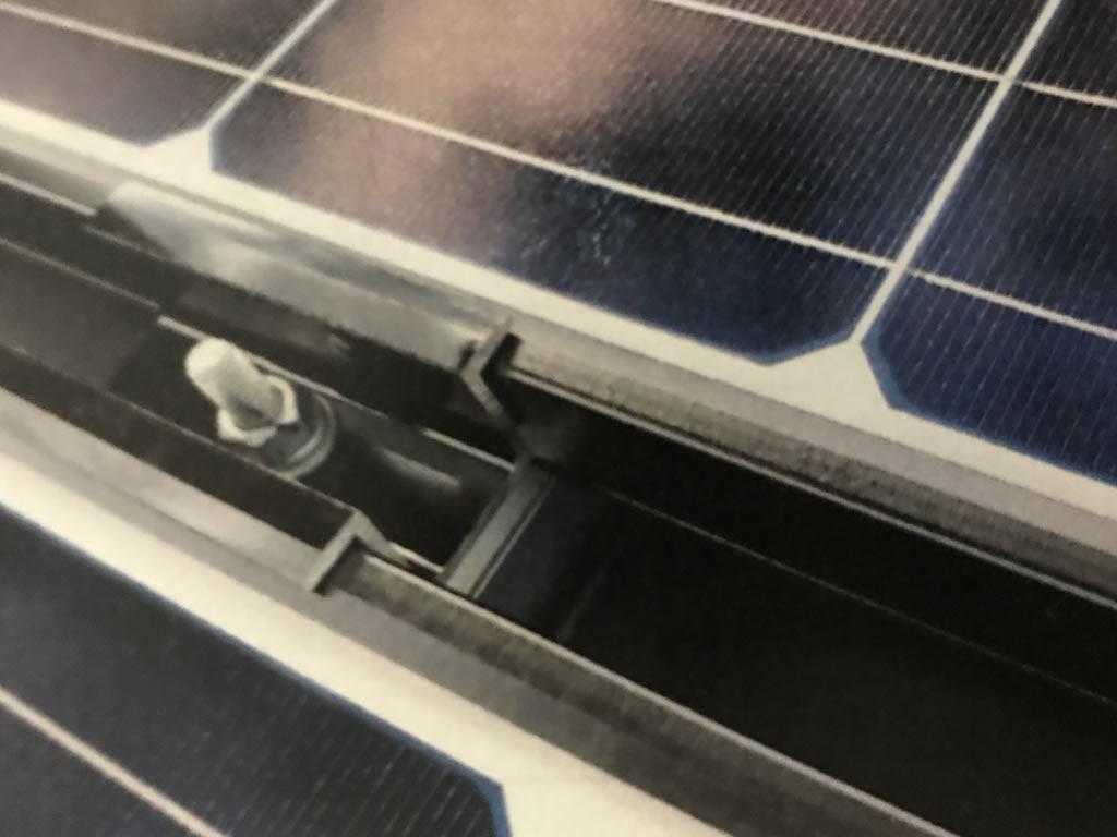 太陽光発電パネルの取り付け