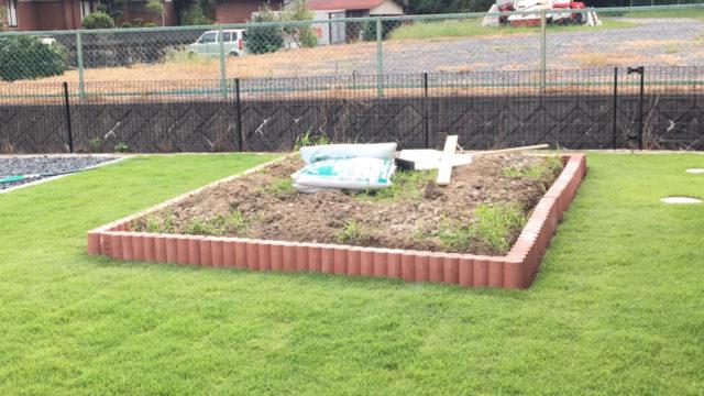 芝生の管理が大変って嘘だった!?素人でも簡単に天然芝をDIYで敷く方法とは