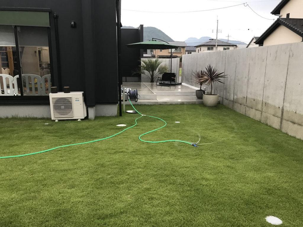 肥料散布後は水やり