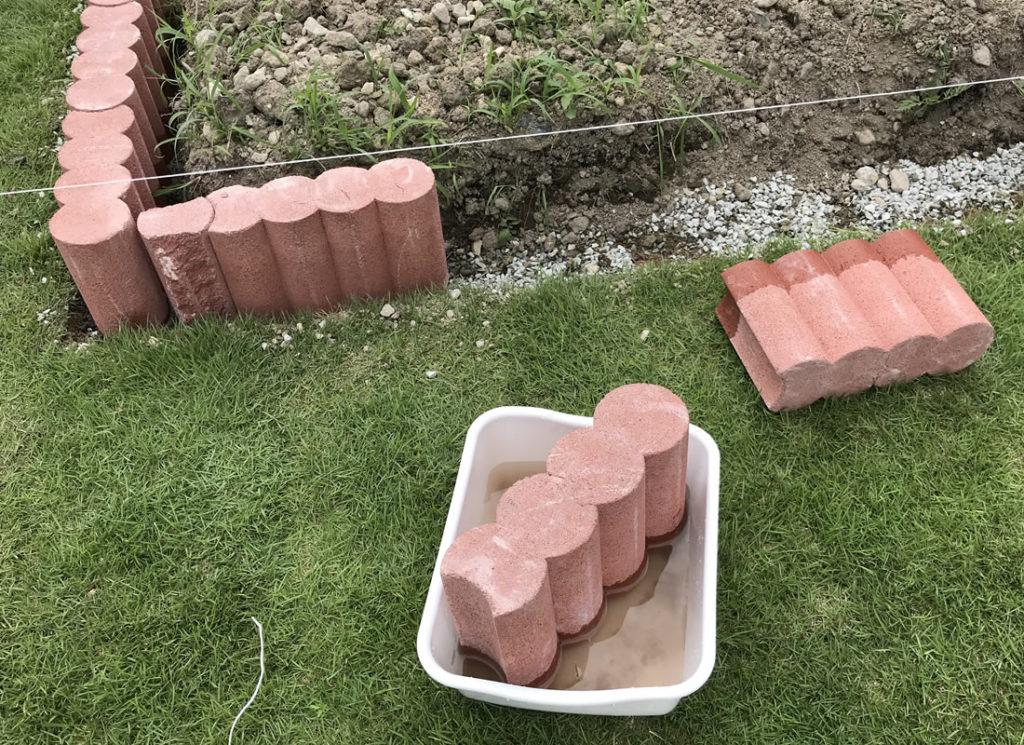 花壇ブロックはモルタルの水分も吸ってしまう