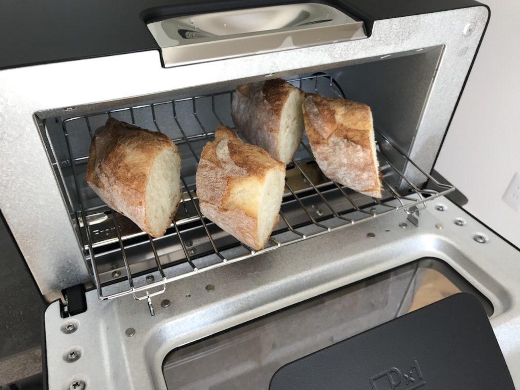 バルミューダトースターでフランスパンを焼いてみる